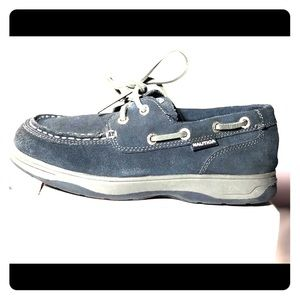 Nautica Boy's, suede Navy Blue, Size 5, Boat Shoes